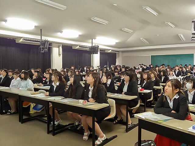 埼玉純真短期大学の就職活動